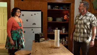 Stan Against Evil 03x04 : The Demon Who Came in From the Heat- Seriesaddict